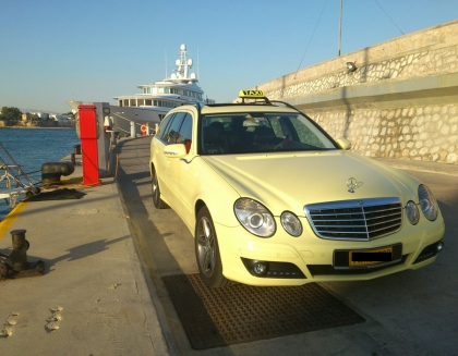 Wagon Transfer from the Airport to Piraeus port
